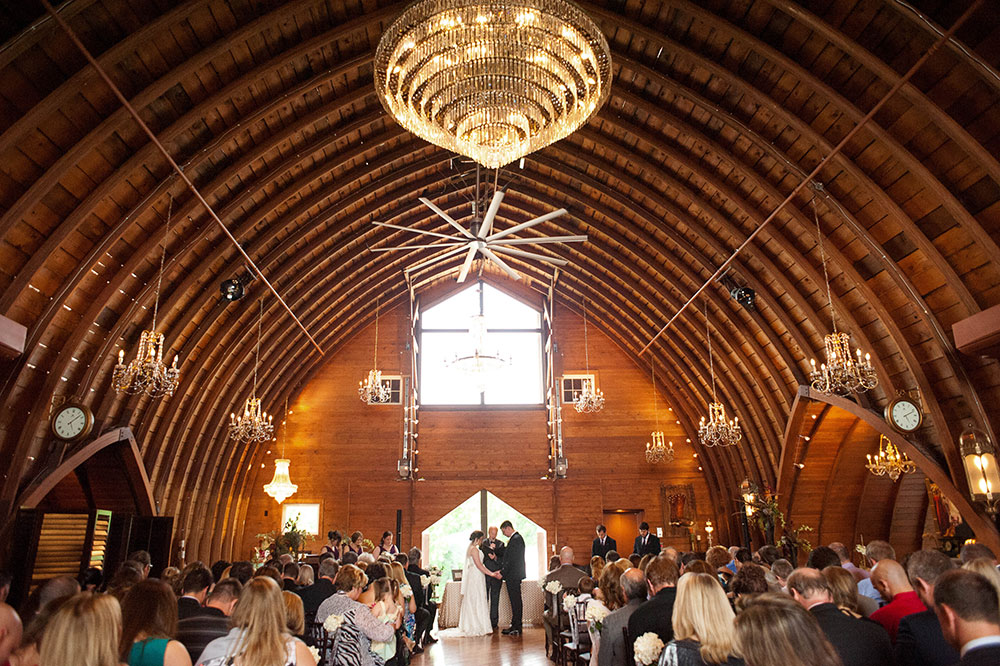 Barn Wedding Venue Near Minneapolis | Green Acres Event Center